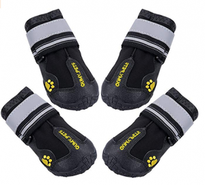 Qumy Dog socks with rubber bottom
